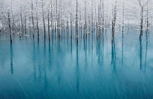 Kỳ vĩ của những hồ nước đóng băng trên thế giới - 9