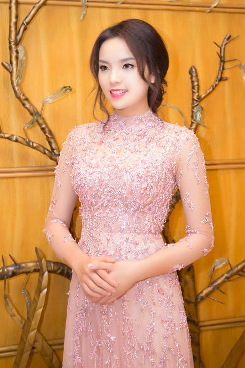 """Hoa hậu Kỳ Duyên """"chạy"""" show liên tục - 6"""