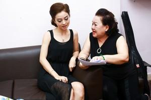 Jennifer Phạm được NSND Ngọc Giàu dạy hát Tân cổ