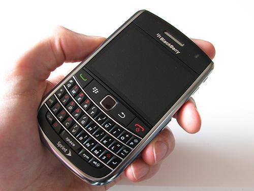 Đánh giá Blackberry 9650 – Smartphone sử dụng bàn phím qwerty - 1