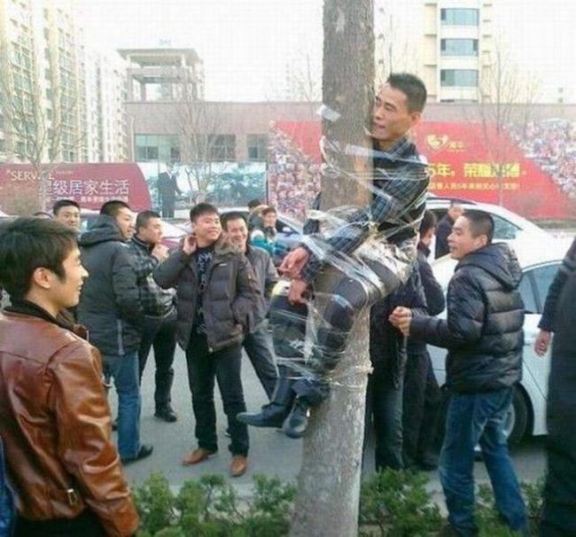 """Hành động """"khó đỡ"""" của người Trung Quốc - 9"""