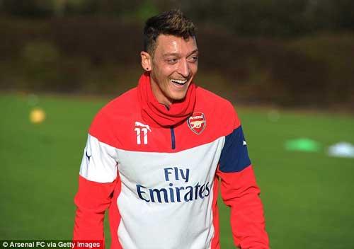 Arsenal - Stoke: Chờ hiệu ứng Ozil - 1