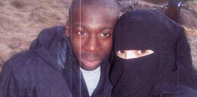 Nữ tòng phạm vụ bắt cóc con tin Paris đã tới Syria - 3