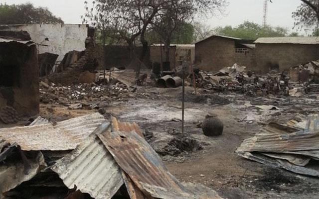 Bé gái 10 tuổi đánh bom tự sát, giết 19 người ở Nigeria - 2