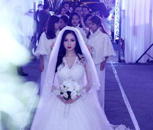 Clip: Khoảnh khắc hạnh phúc của Tâm Tít trong ngày cưới