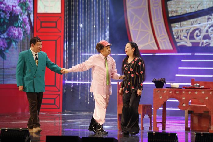 Quang Thắng đóng giả tây lừa Xuân Hinh - 1