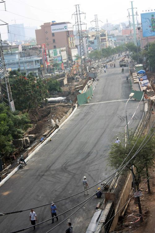 TPHCM: Cầu Ông Buông 2 được thông xe, kẹt xe sẽ giảm - 2