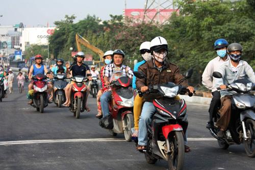 TPHCM: Cầu Ông Buông 2 được thông xe, kẹt xe sẽ giảm - 1