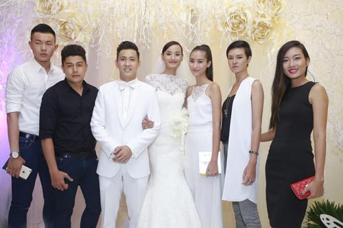 """Dàn chân dài Top Model """"đổ bộ"""" ở đám cưới Lê Thúy - 8"""