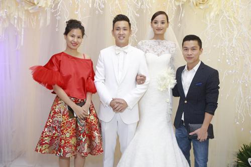 """Dàn chân dài Top Model """"đổ bộ"""" ở đám cưới Lê Thúy - 9"""