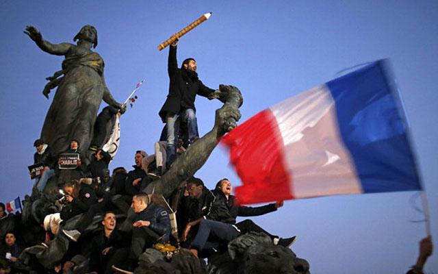 Lãnh đạo các nước hòa chung biển người tuần hành ở Pháp - 3