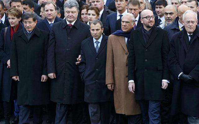 Lãnh đạo các nước hòa chung biển người tuần hành ở Pháp - 5