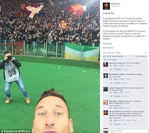 """Lập cú đúp, Totti """"tự sướng"""" ngay trên sân - 5"""