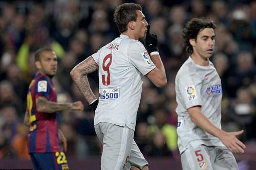 """Barca đại thắng: """"Nã đạn"""" vào khủng hoảng - 4"""