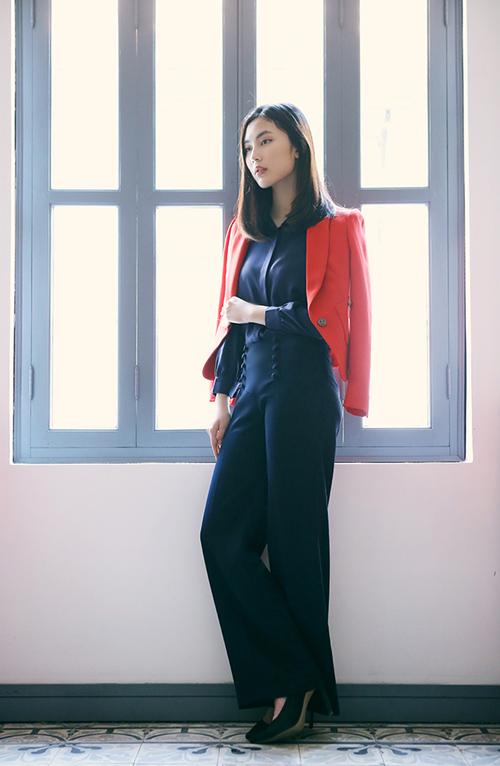 Hot girl Helly Tống xinh đẹp với thời trang du xuân - 3