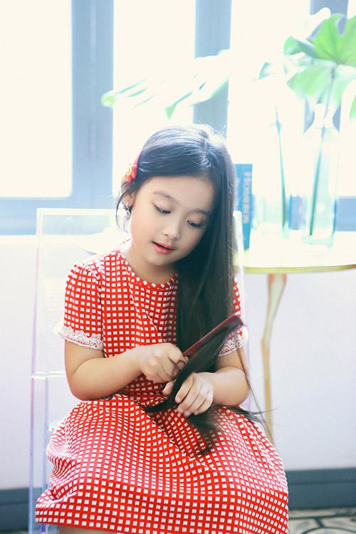 Hot girl Helly Tống xinh đẹp với thời trang du xuân - 11