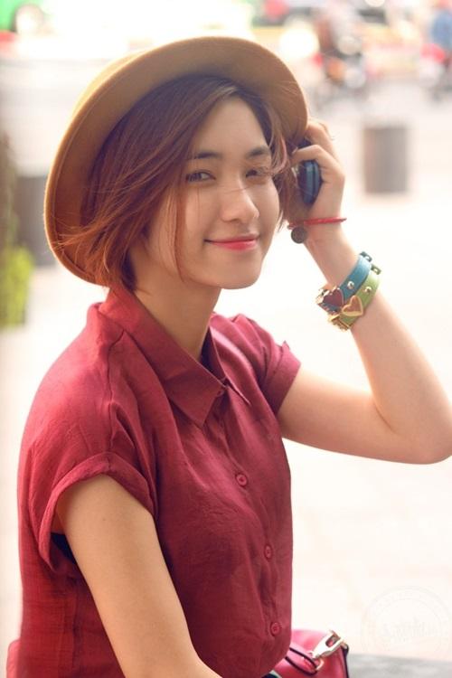 """Chân dung Hòa Minzy - """"bạn gái"""" 9x của Công Phượng - 2"""