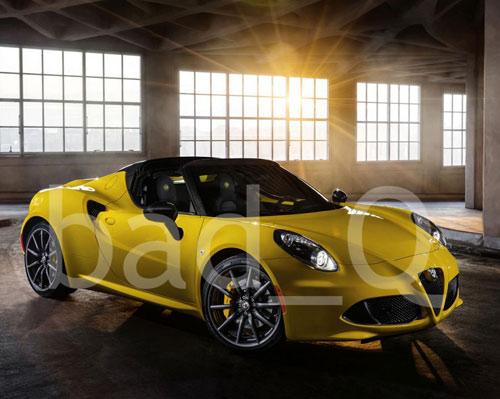 Alfa Romeo 4C Spider không che đậy xuất hiện - 1