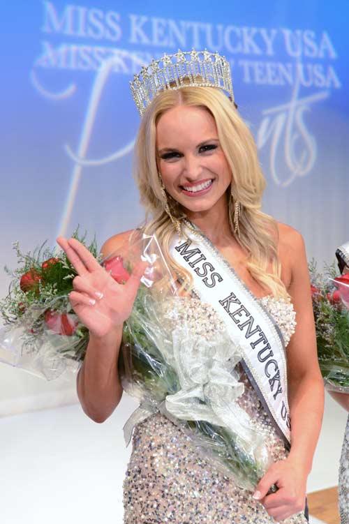Quá đẹp, VĐV bóng chuyền đạt Hoa hậu ngay lần đầu thi - 2