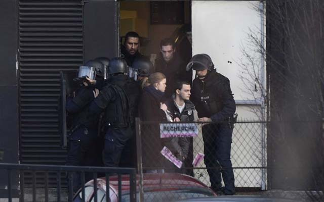 Pháp: Con tin bị bắn chết vì cướp súng kẻ bắt cóc - 4