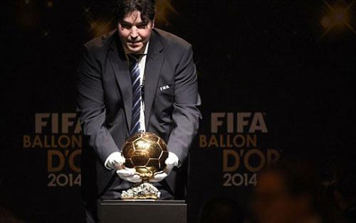 Ronaldo giành QBV FIFA 2014 - 8
