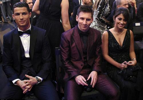 Giành QBV, CR7 mơ được là đồng đội với Messi & Neuer - 2