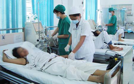 Gần 40% bệnh nhân sợ… nhân viên y tế - 1