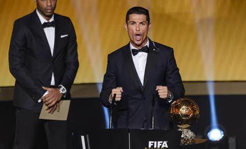 """Ronaldo """"đoạt"""" QBV: Vinh quang dành cho kẻ cao ngạo - 2"""