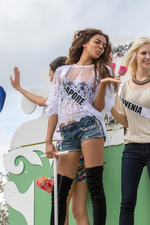 Thí sinh Hoa hậu Hoàn vũ làm náo loạn đường phố Mỹ - 9