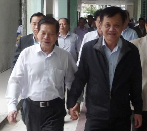 Nguyên Chủ tịch nước thăm ông Nguyễn Bá Thanh