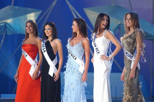 Vẫn giành vương miện Hoa hậu Hoàn vũ dù chỉ cao 1m62 - 5