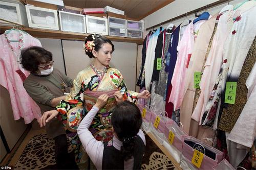 Hàng nghìn thiếu nữ Nhật xinh đẹp trong lễ Trưởng thành - 12