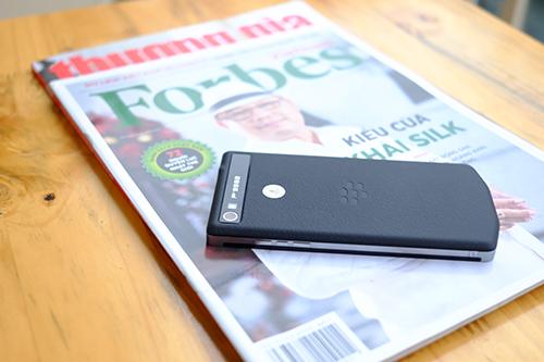 BlackBerry chính thức tung dòng smartphone cao cấp P'9982 - 6