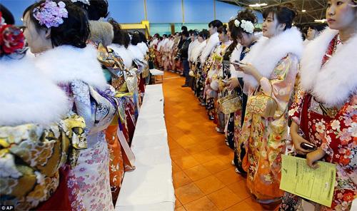 Hàng nghìn thiếu nữ Nhật xinh đẹp trong lễ Trưởng thành - 2