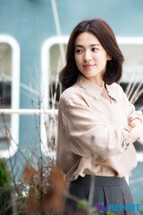 """Lương Triều Vỹ tái ngộ Song Hye Kyo trong """"Người lái đò"""" - 4"""
