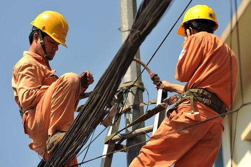EVN đề nghị Bộ Công Thương tăng giá điện - 1
