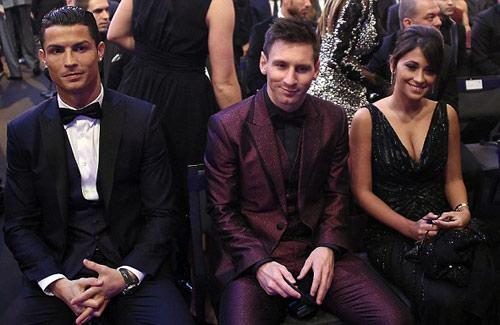 """Bóng hồng khiến Ronaldo, Messi """"ngẩn ngơ"""" - 7"""