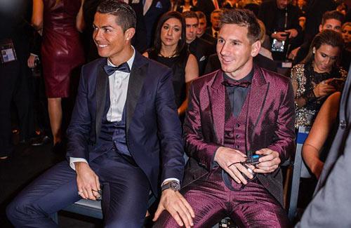 """Bóng hồng khiến Ronaldo, Messi """"ngẩn ngơ"""" - 8"""