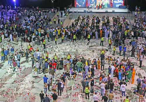 """""""Bạo loạn"""" ở chung kết giải Phi tiêu thế giới - 8"""