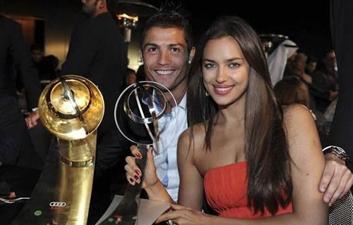Tại sao bạn gái vắng mặt trong ngày Ronaldo giành QBV? - 1