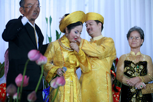 """Nhìn lại """"đám cưới khoai lang"""" của Thúy Nga và chồng cũ - 14"""