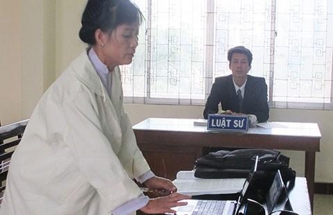 Giáo viên kiện hiệu trưởng vì 17 tháng không được đứng lớp - 1