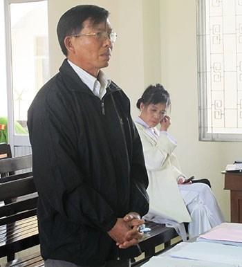 Giáo viên kiện hiệu trưởng vì 17 tháng không được đứng lớp - 2