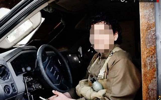 """IS tung video chiến binh nhí hành quyết """"các điệp viên"""" Nga - 2"""