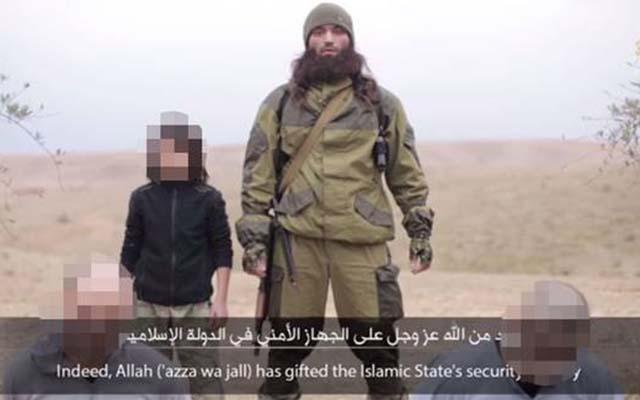 """IS tung video chiến binh nhí hành quyết """"các điệp viên"""" Nga - 1"""