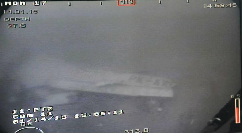 Đã tìm thấy thân máy bay AirAsia QZ8501 - 3