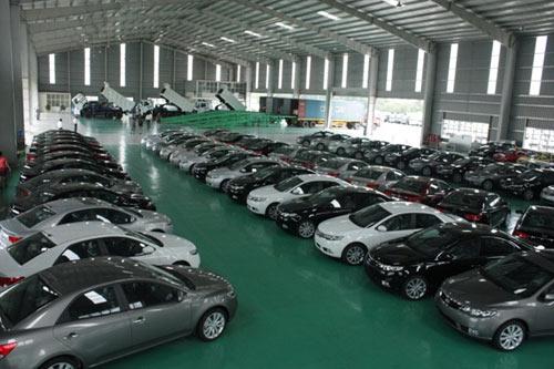 Năm 2015, thị trường ô tô tiếp tục tăng trưởng mạnh - 1