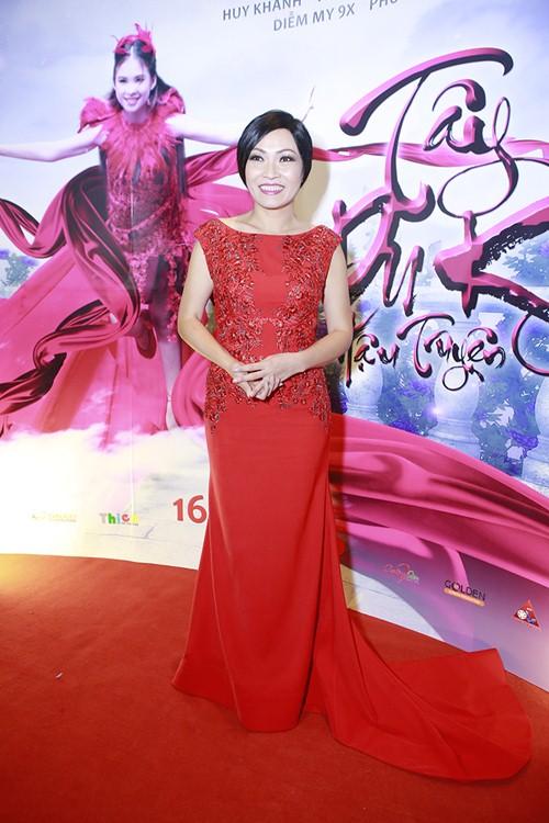 Trương Thế Vinh cùng bạn gái phi công dự ra mắt phim - 8