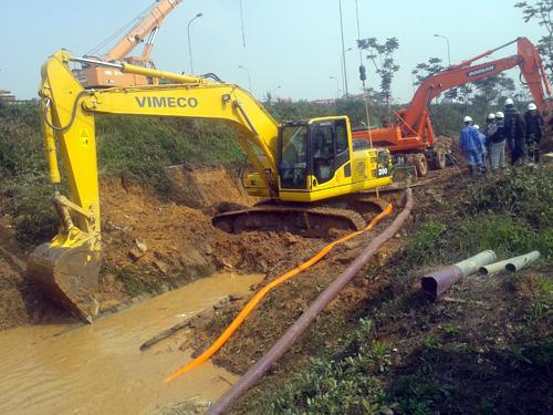 Hà Nội: Lại vỡ đường ống, 70.000 hộ dân mất nước - 1
