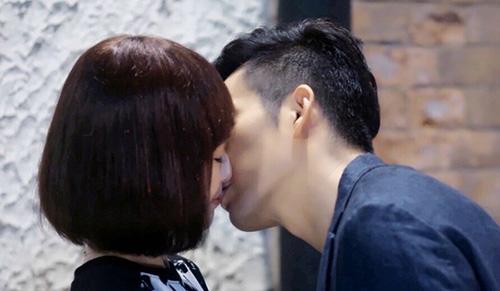 """Nụ hôn hiểu lầm cay đắng của cặp đôi """"Bên nhau trọn đời"""" - 8"""